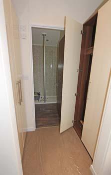 Master bedroom wardrobes & en suite 2014 Omar Apex