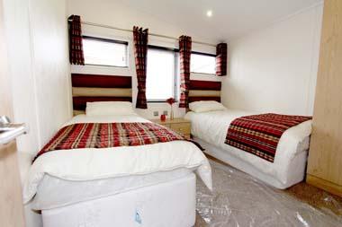 Victory Versailles Twin bedroom V1