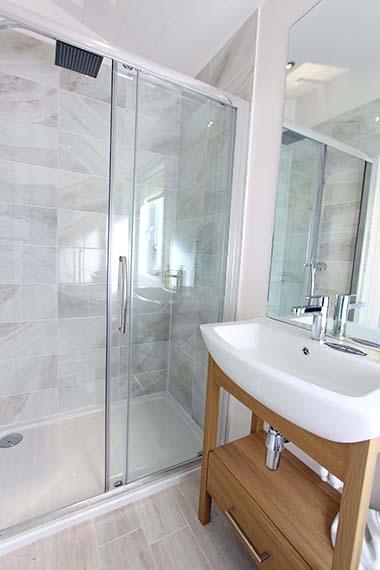 HC Pathfinder - Shower Room