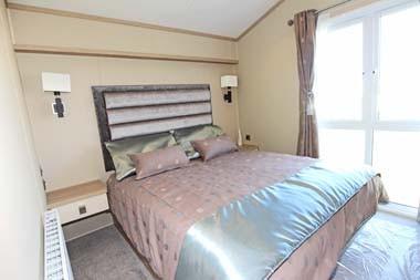 Regal Hamilton Lodge Master Bedroom