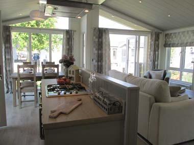 Venti Kitchen and Lounge Wide