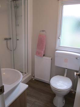 Willerby Vacation Bathroom