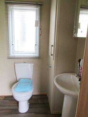 ABI Oakley En Suite Bathroom