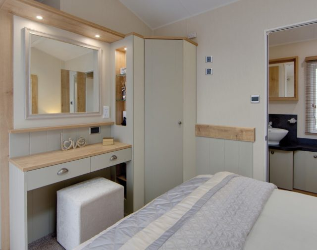 Vogue Lodge - Willerby Holiday Homes Ltd Vanity Unit