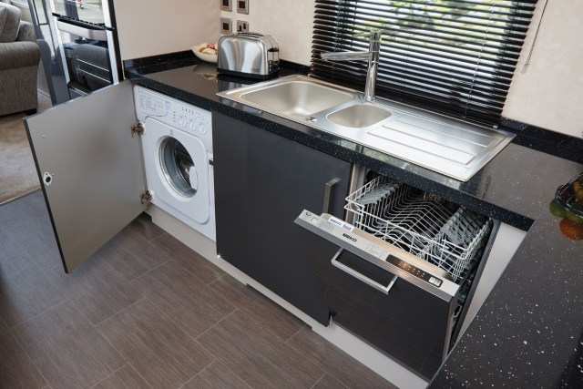 Carnaby Envoy kitchen and appliances