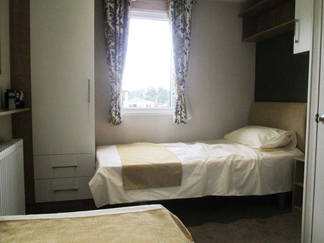 Victory Sandhurst Twin Bedroom Side