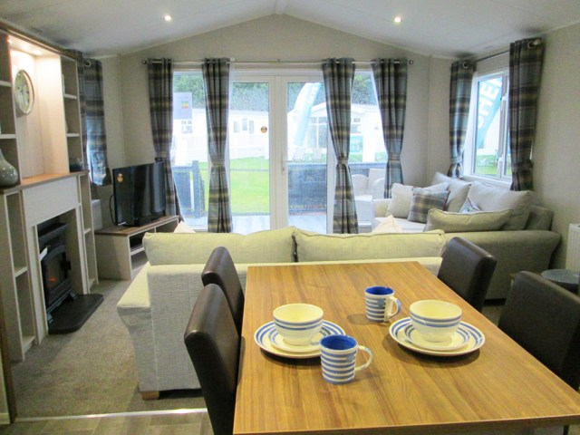 Willerby Sheraton Dining Table Through Lounge