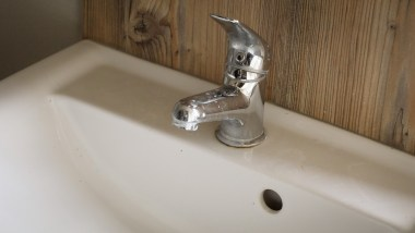 Static caravan mixer taps