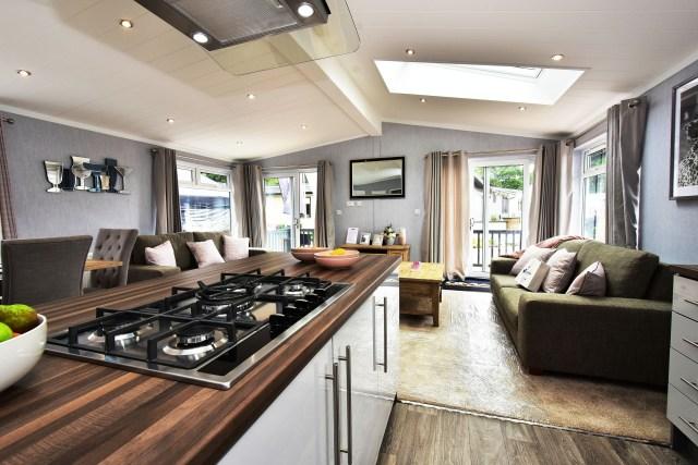 2019 Omar Alderney lodge kitchen