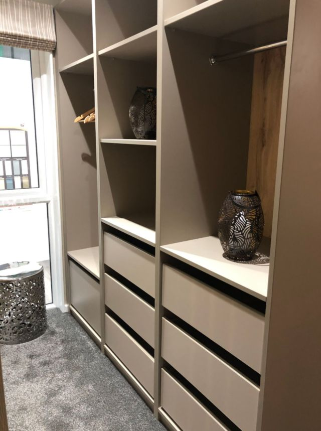 Tingdene Harrington Dressing Room Storage