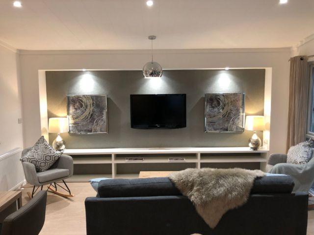 Tingdene Harrington TV in Living Room