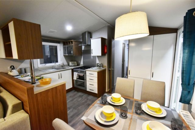 Willerby Avonmore Dining Area Through to Kitchen