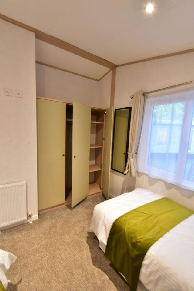 2019 Atlas Debonair lodge twin bedroom