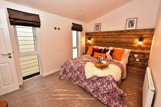 2019 Pathfinder Retreat lodge master bedroom