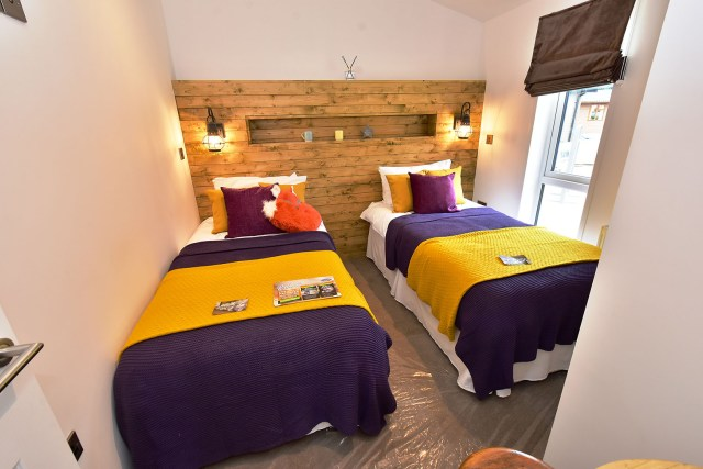 2019 Pathfinder Retreat lodge twin bedroom