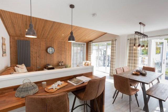 2020 Prestige Samphire lodge kitchen breakfast bar