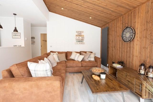 2020 Prestige Samphire lodge lounge