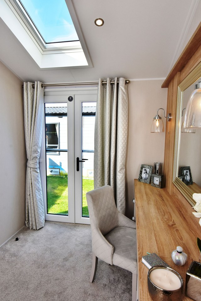 2020 Willerby Vogue Classique static caravan master bedroom