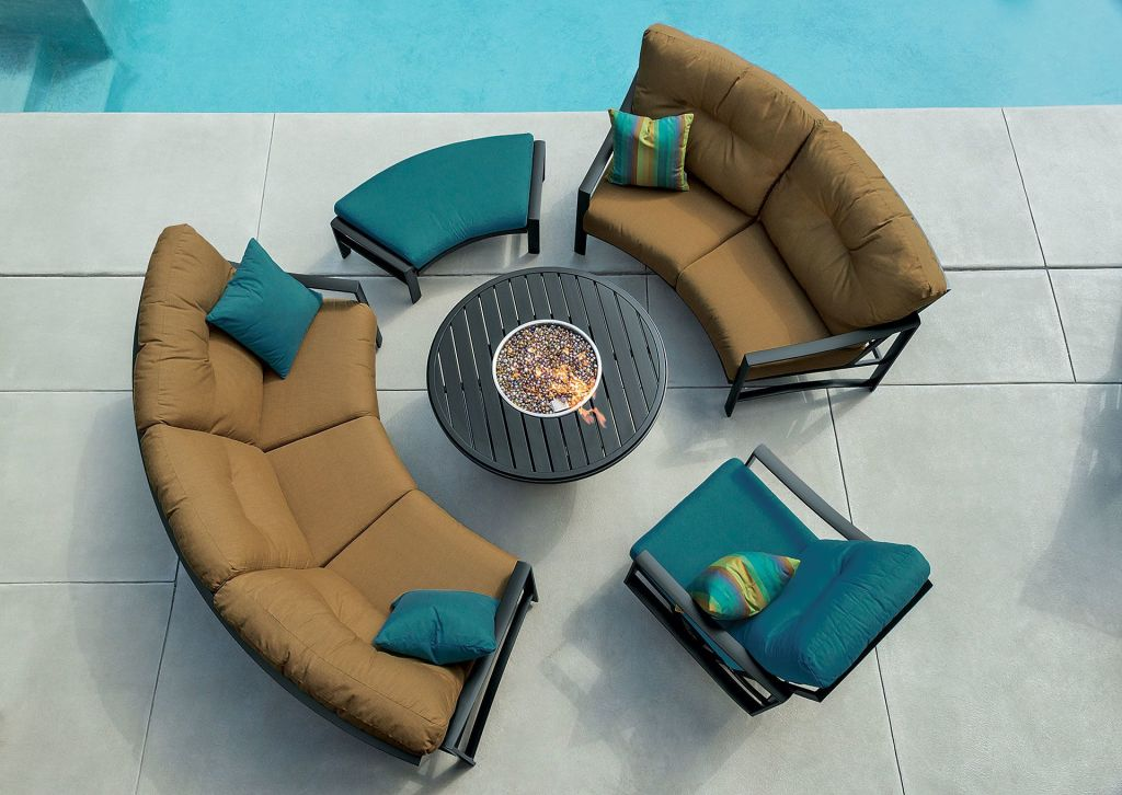 swivel chair round exercises tv show tropitone kenzo cushion crescent ottoman bench - leisure living