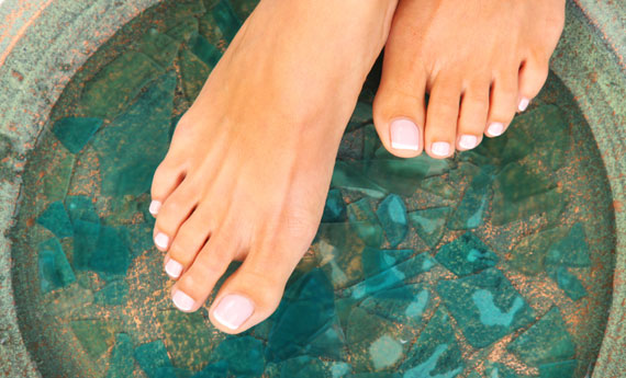 Pedicure fai da te a casa come dallestetista  LEITV