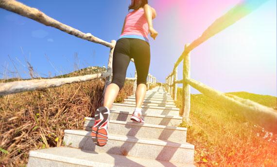 Ginnastica sulle scale 5 esercizi per dimagrire che