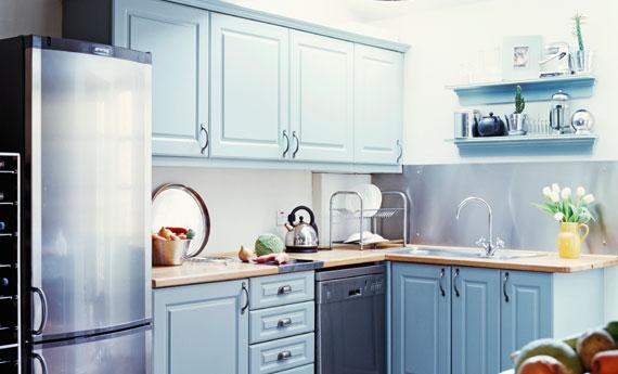 Come rinnovare le ante della cucina in 2 passaggi per una cucina nuova spendendo pochissimo