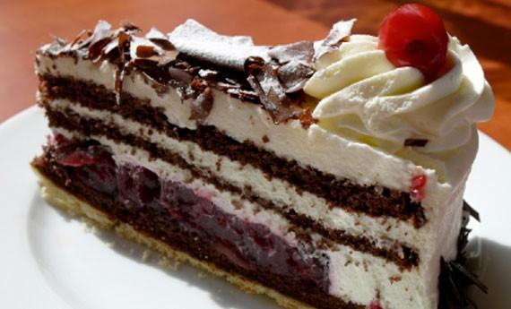 Torta foresta nera con cioccolato e ciliegie  LEITV