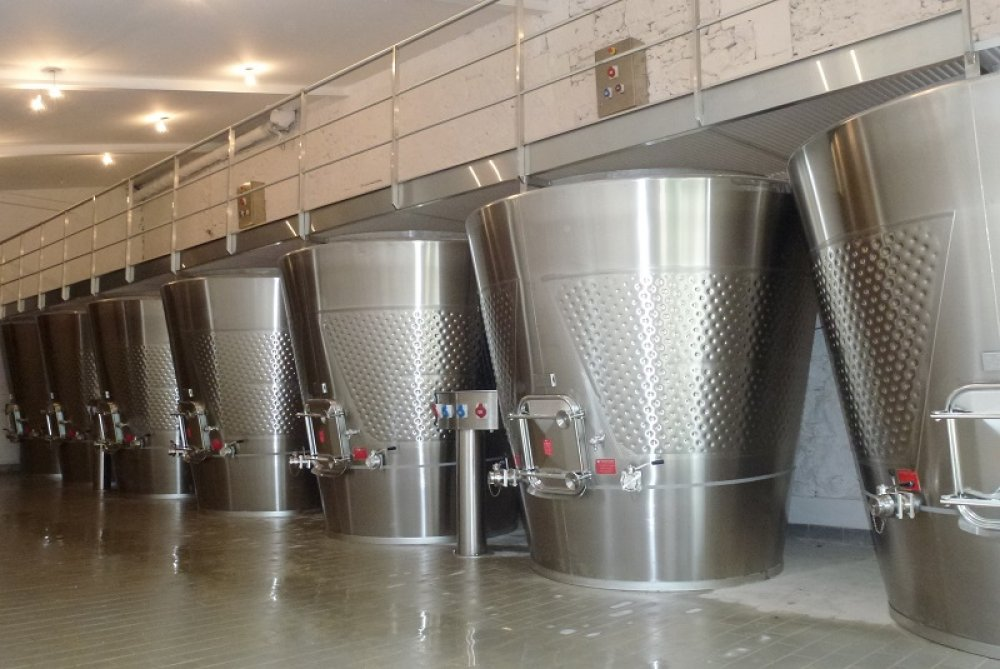 Wine tanks Lejeune stainless steel equipment for wine industry in Bordeaux France