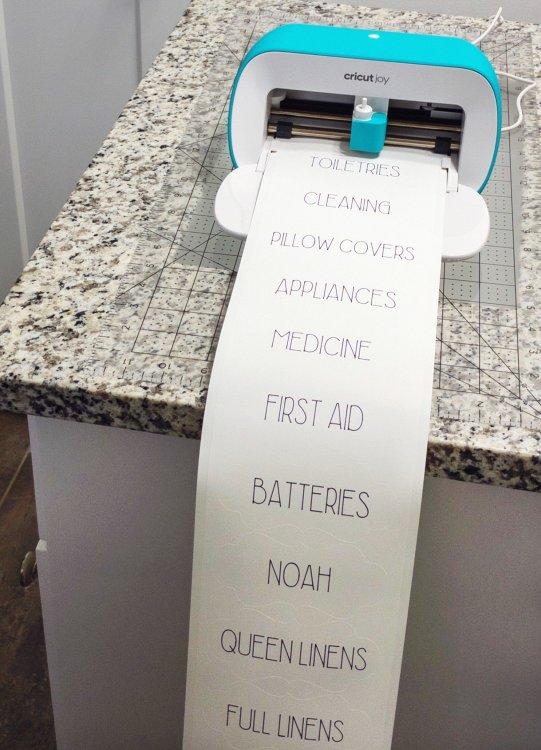 Cricut Joy bathroom labels
