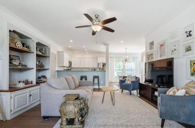 house staging tips for selling