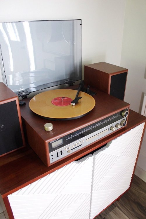 retro walnut record player with CD player and speakers