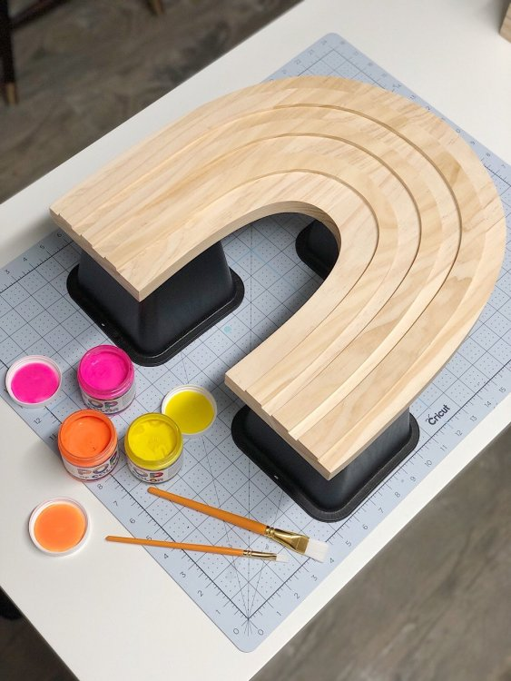 bed risers for paint projects