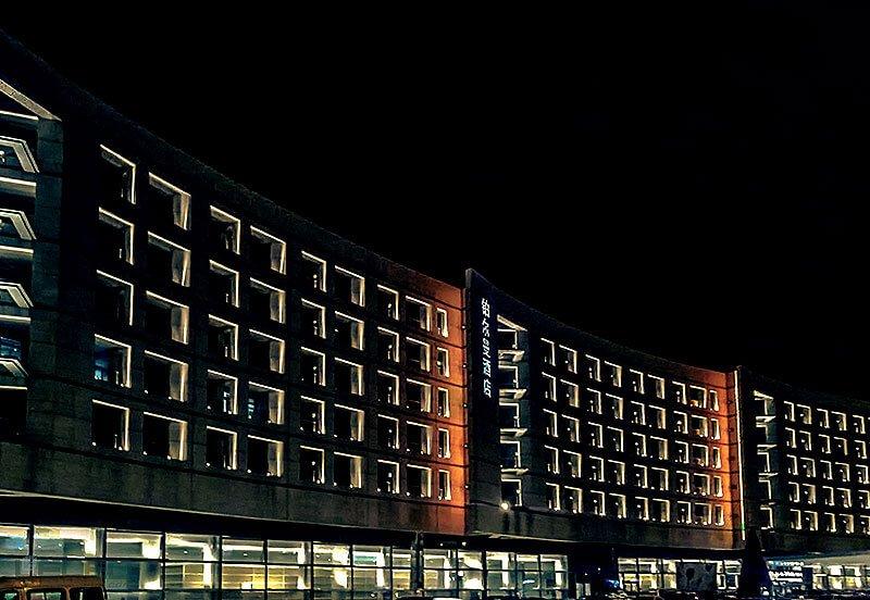 Building windows lighting design for LED 360 blade effect projector lights