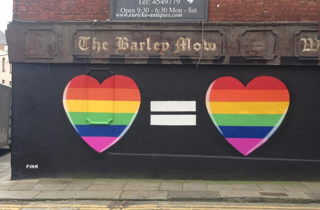 Décadence : l'Irlande dit «oui» au mariage gay