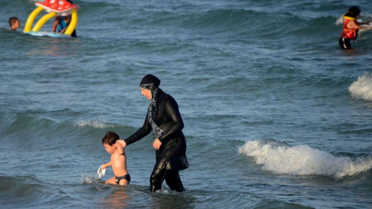 Les arrêtés anti-burkini favorisent la stigmatisation des musulmans, selon l'ONU