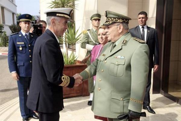 Gaïd Salah reçoit le chef d'État-major des forces armées espagnoles