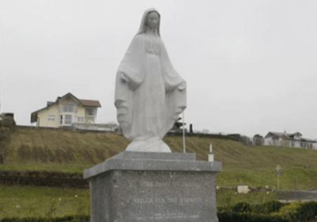 Christianophobie : la Vierge Marie supprimée du parc de la commune de Publier par une association gauchiste