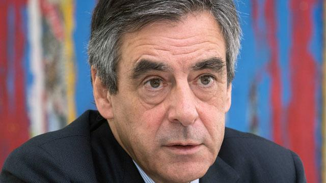 Bonne théorie du complot : Fillon persévère contre Hollande