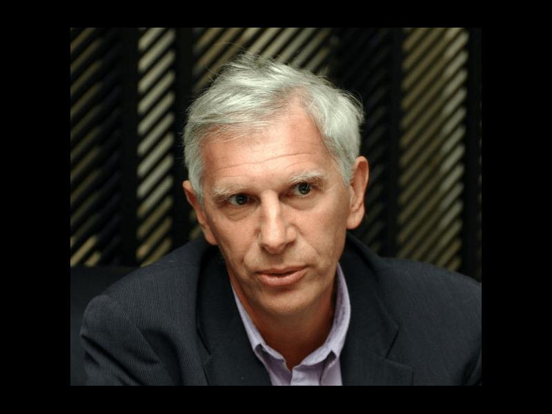Jean-François Bergmann, médecin hospitalier : « Indirectement, ce sont les labos qui font et défont nos carrières »