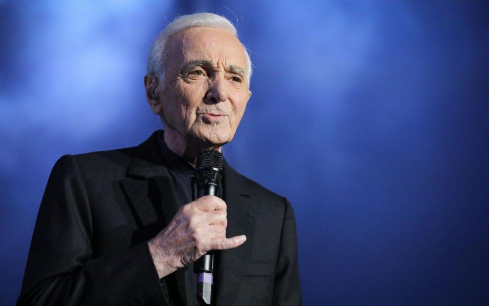 Charles Aznavour et la fraude fiscale : comment la république honore un délinquant !