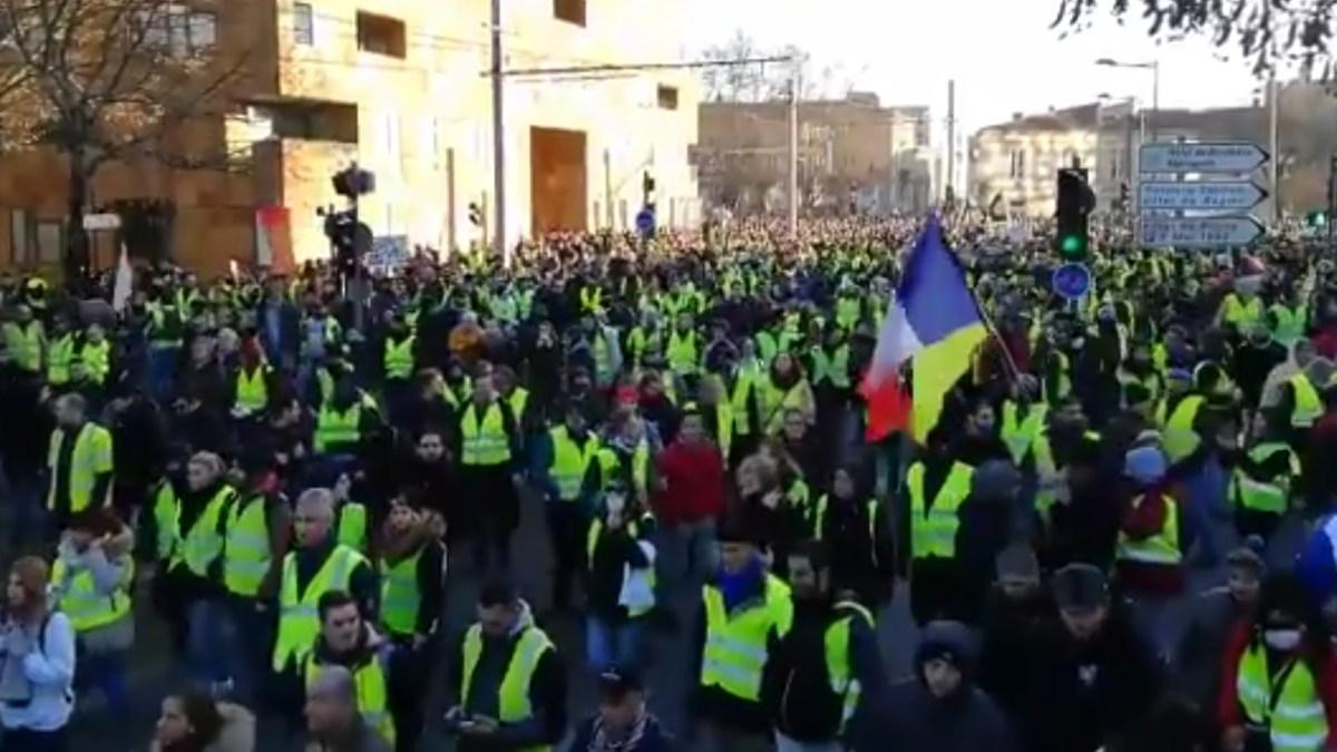 5000 : à Bordeaux les #GiletsJaunes n'ont jamais été aussi nombreux !