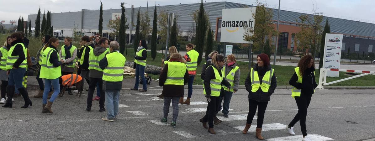 Amazon licencie des salariés qui soutiennent les blocages des « #GiletsJaunes »