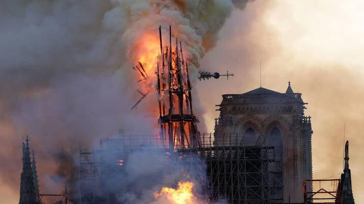 La vertu de Notre-Dame, par Lotfi Hadjiat