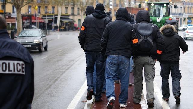 Paris : deux policiers de la BAC mis en examen pour corruption et trafic de stupéfiants
