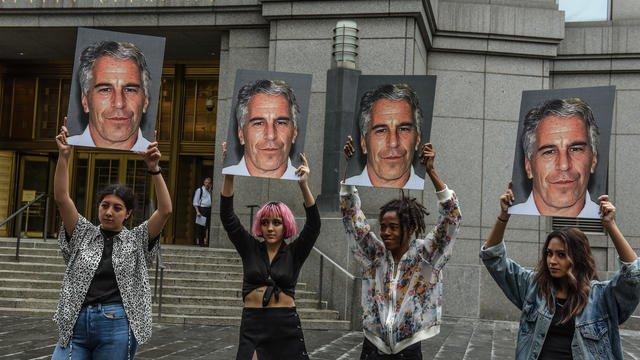 Le milliardaire Jeffrey Epstein aurait organisé un trafic de filles mineures