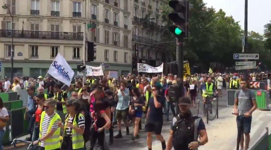 Acte 38 des #GiletsJaunes assez impressionnant à Paris en plein mois d'août !
