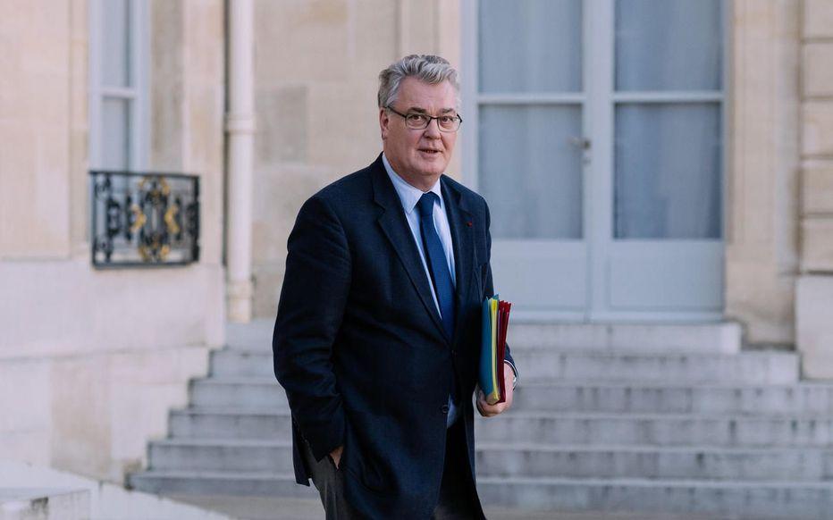 Retraites : Jean-Paul Delevoye « oublie » de déclarer ses liens avec un institut de formation de l'assurance