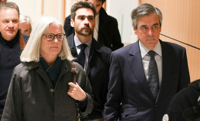 Procès Fillon : le parquet requiert 2 ans de prison ferme contre François, 3 avec sursis pour Penelope !