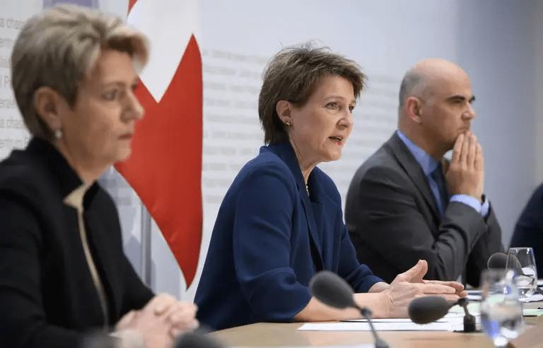 Coronavirus : La Suisse durcit ses mesures mais écarte tout confinement