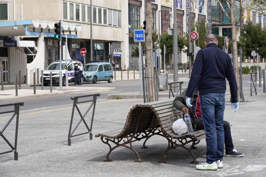 Covid-19 : trois chiffres qui montrent l'explosion de la précarité alimentaire à Marseille
